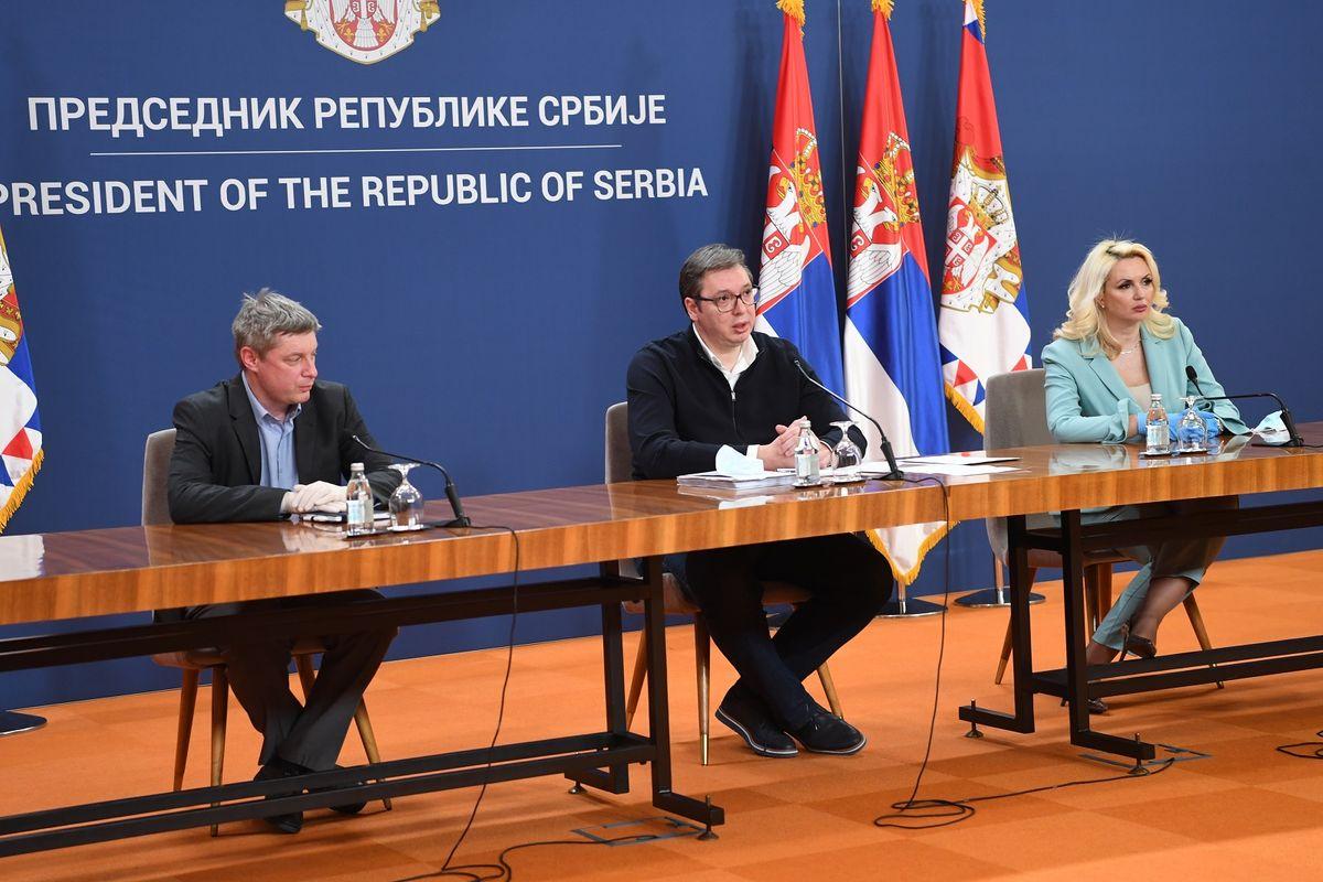 Обраћање председника Вучића након састанка са члановима Кризних штабова