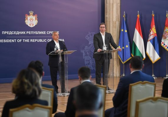 Председник Вучић састао се са председником Владе Мађарске