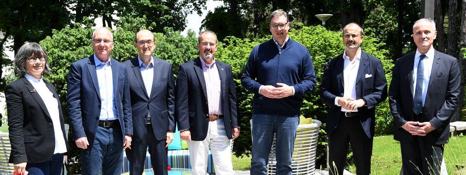 Председник Вучић састао се са амбасадорима земаља Квинте