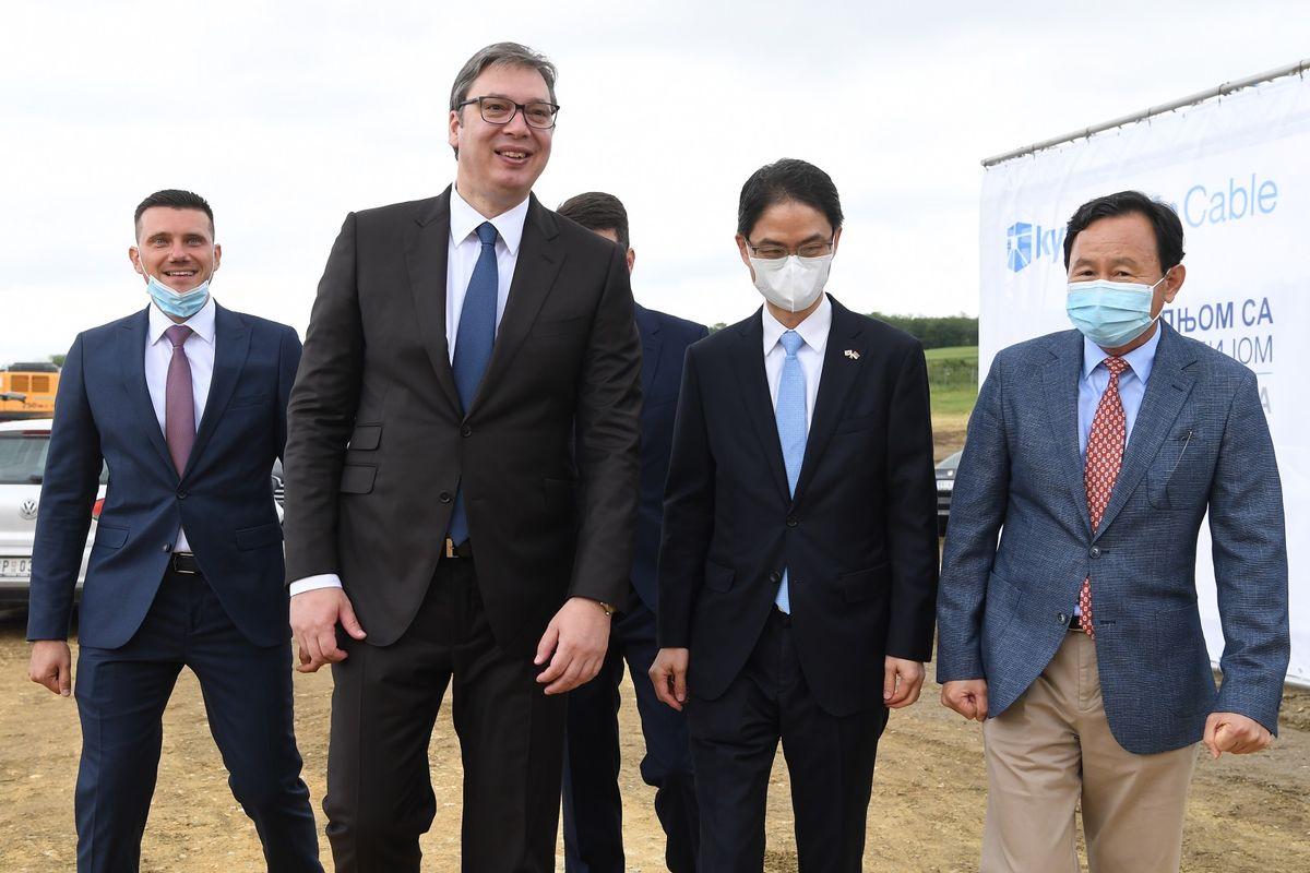 """Predsednik Vučić prisustvovao ceremoniji postavljanja kamena temeljca budućeg postrojenja kompanije """"KyungshinCable"""""""