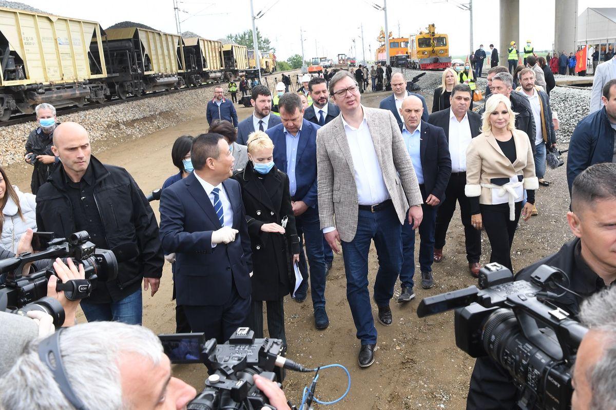 Председник Вучић обишао радове на делу брзе пруге Београд-Будимпешта
