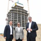 Predsednik Vučić obišao radove na Kuli Beograd