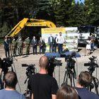 Председник Вучић присуствовао почетку изградње нове ковид болнице