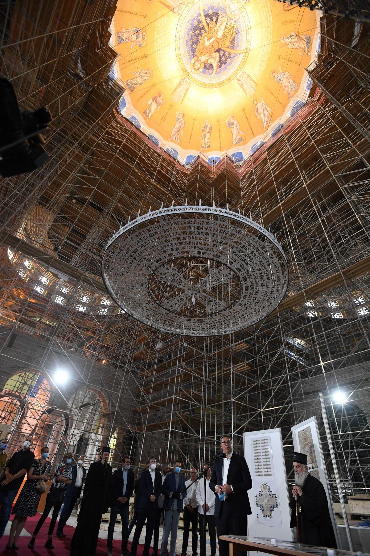 Predsednik Vučić obišao radove na unutrašnjem uređenju Hrama Svetog Save