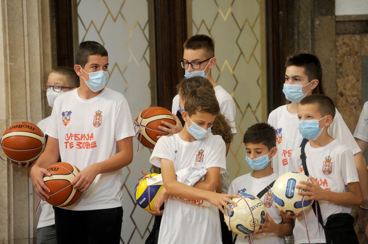Председник Вучић састао се са младим спортистима са Косова и Метохије