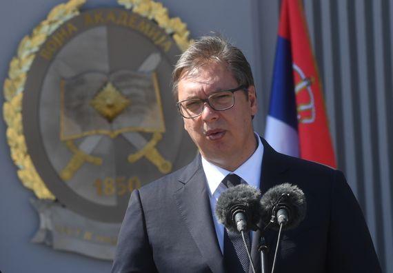 Председник Вучић присуствовао свечаној промоцији најмлађих официра Војске Србије