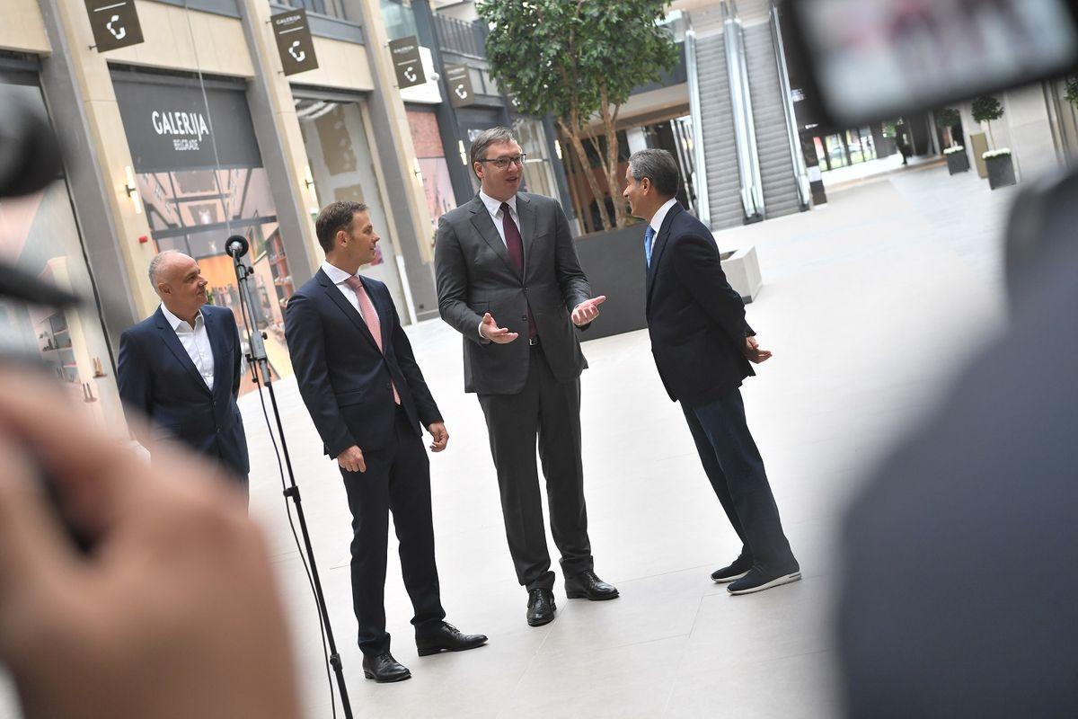 Председник Вучић обишао завршне радове на изградњи објекта Галерија