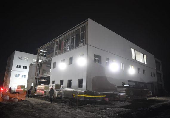 Преседник Вучић обишао радове на изградњи нове Ковид болнице у Крушевцу