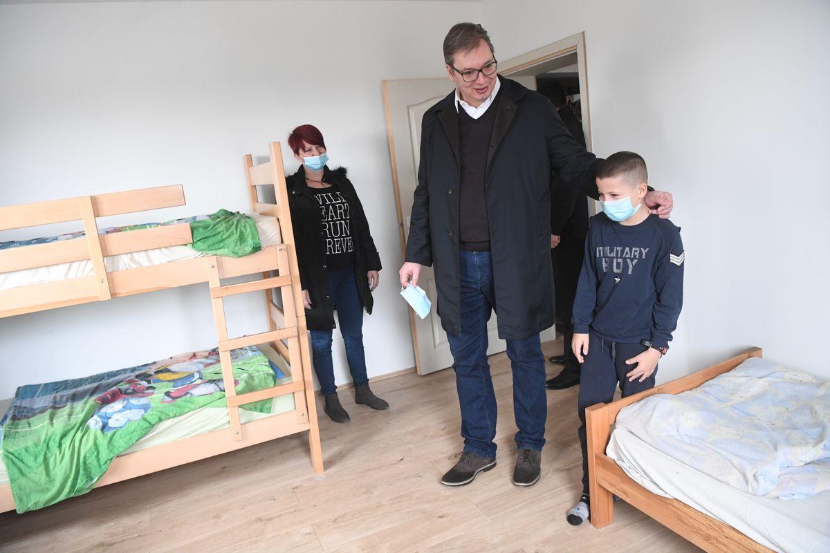 Председник Вучић у посети породици Ђурић