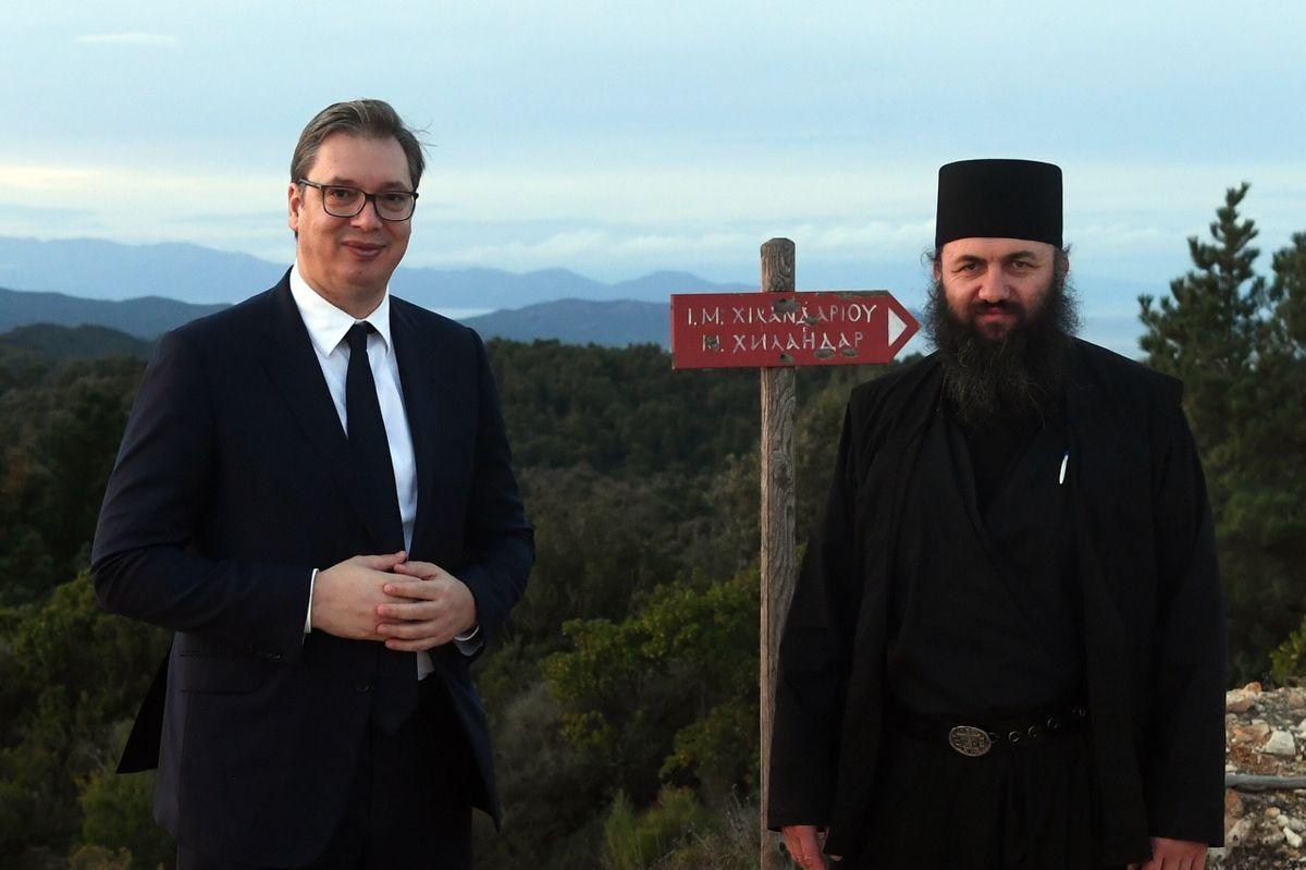 Божићна посета Хиландару председника Вучића