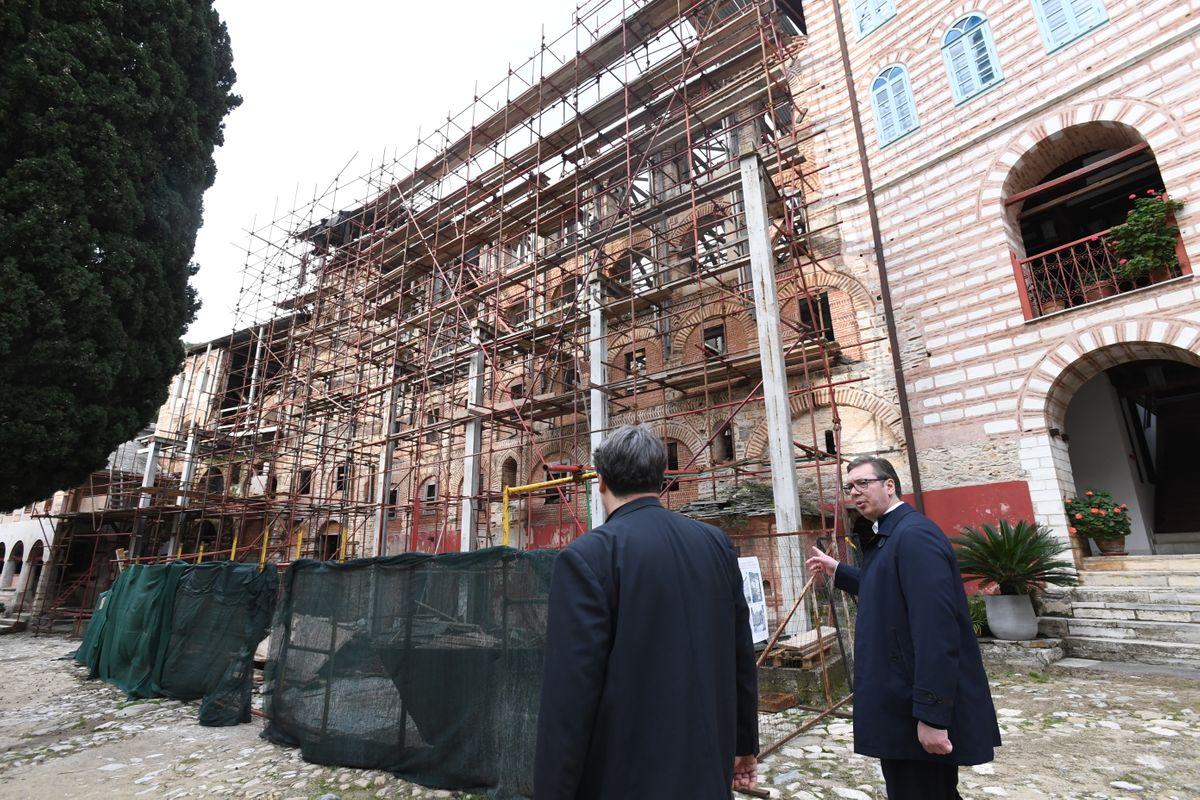 Božićna poseta Hilandaru predsednika Vučića