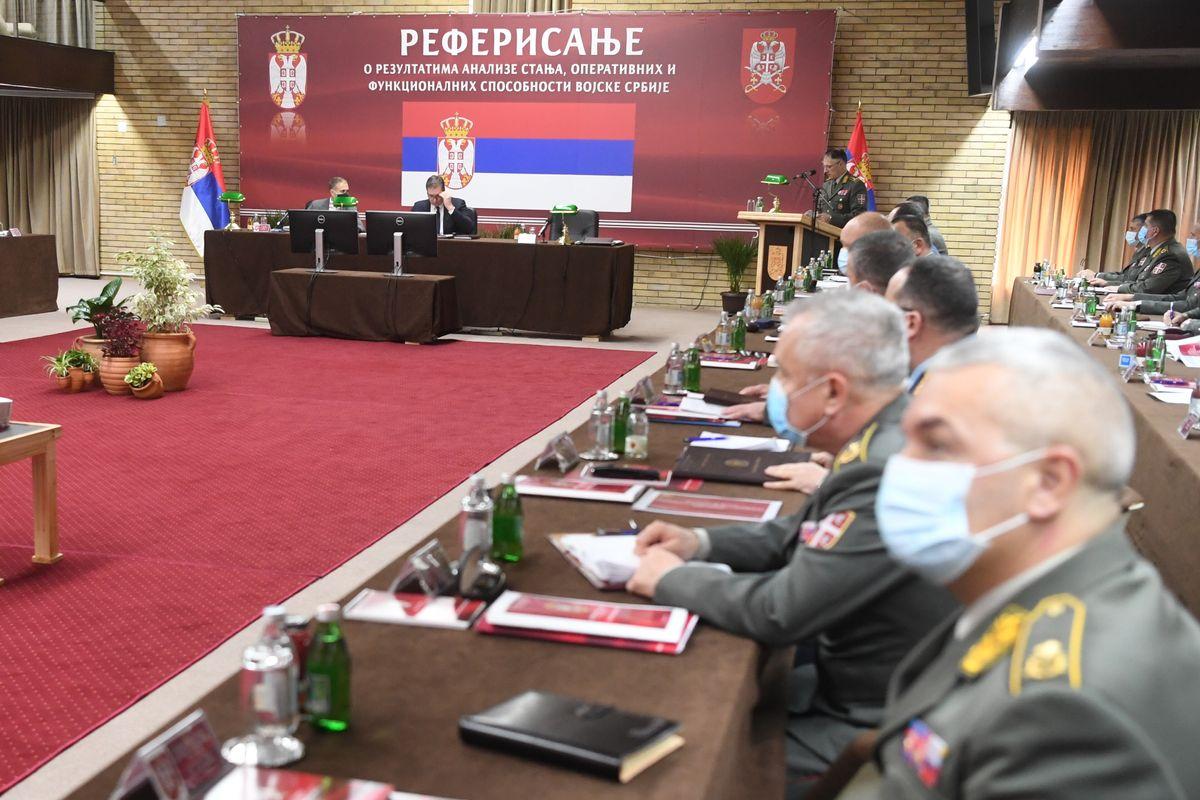 Председник Вучић присуствовао састанку на коме су представљени резултати анализе стања функционалних и оперативних способности Војске Србије за 2020. годину