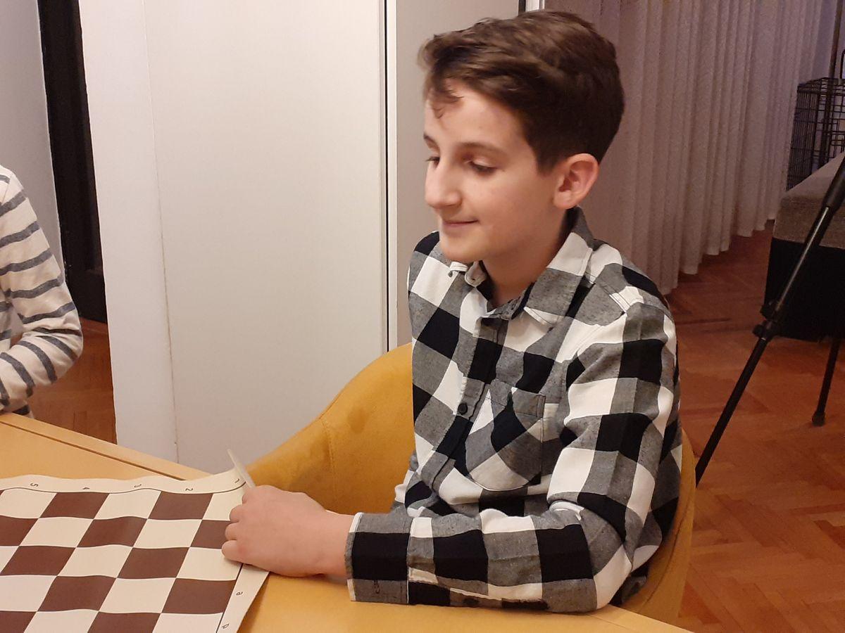 Краљев гамбит дечака из Ниша