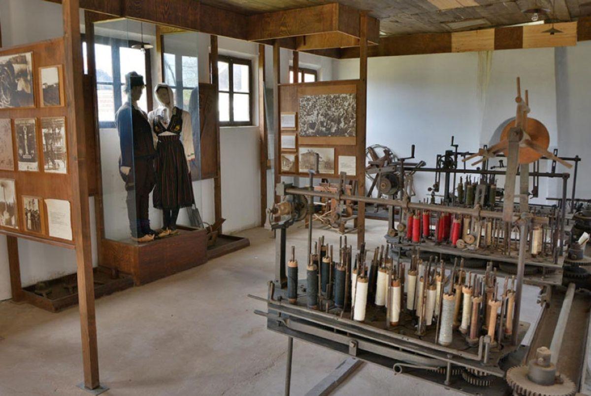 Текстилни музеј у Стројковцу