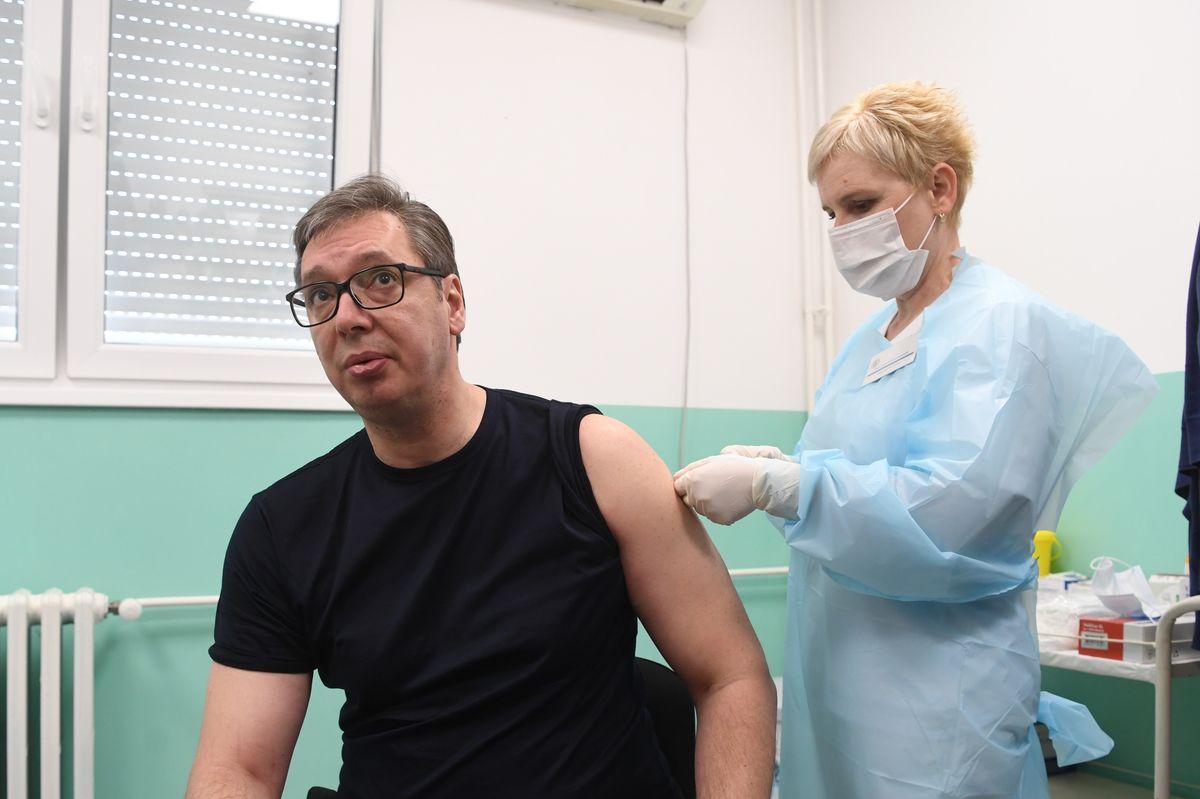 Predsednik Vučić posetio Pukovac i Gadžin Han