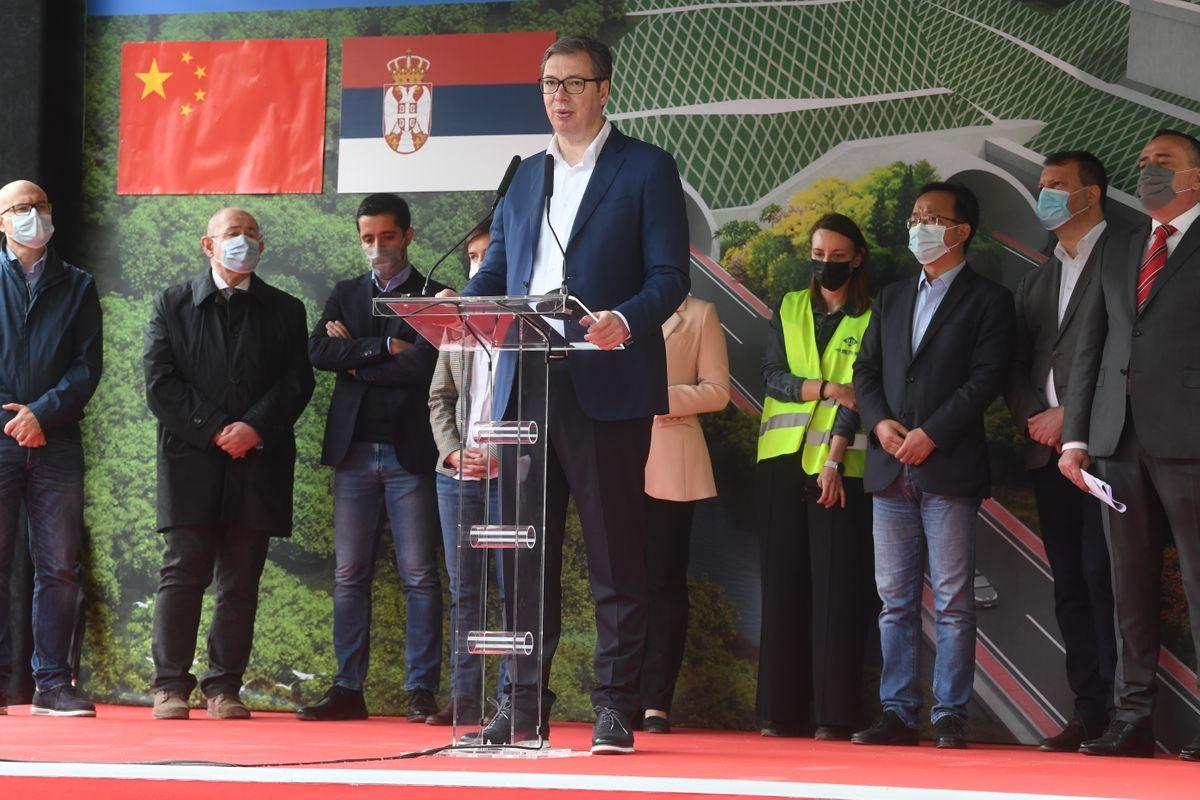 Predsednik Vučić prisustvovao ceremoniji početka radova na izgradnji Fruškogorskog koridora