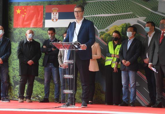 Председник Вучић присуствовао церемонији почетка радова на изградњи Фрушкогорског коридора