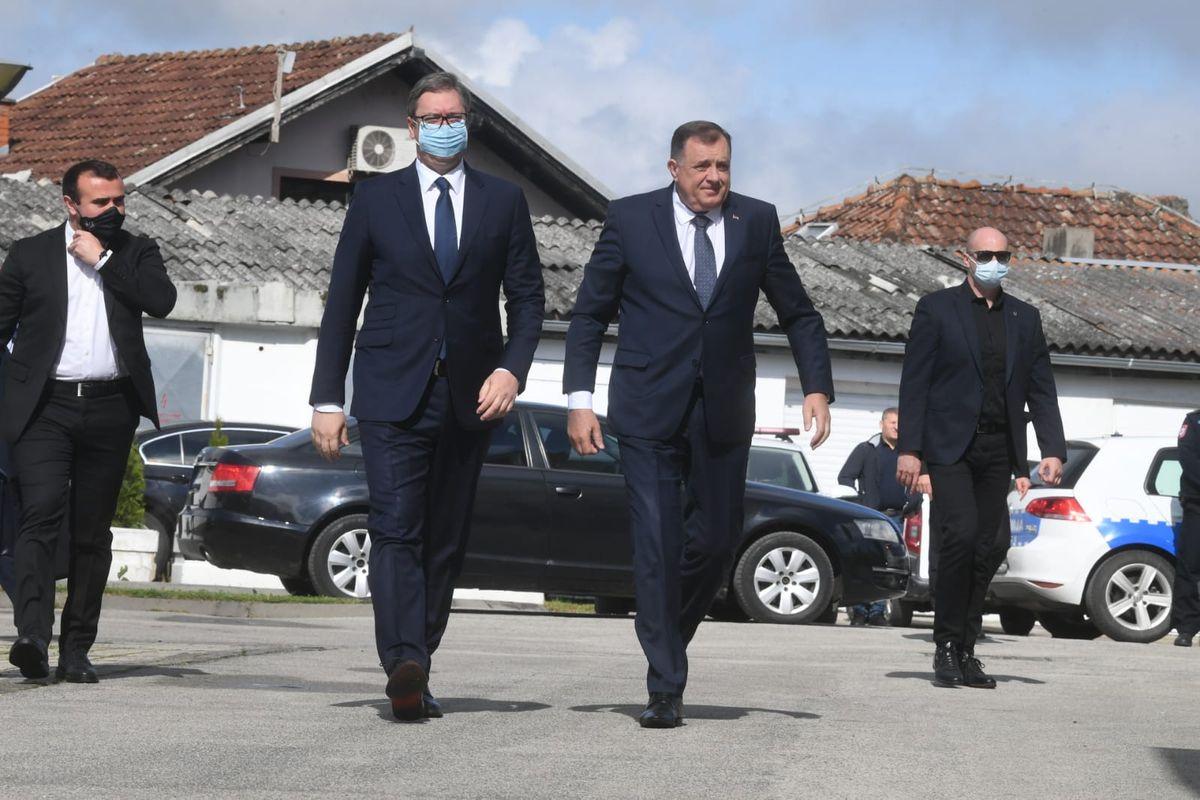 Председник Вучић састао се са начелницима четири општине из РС