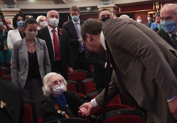 Председник Вучић присуствовао обележавању Дана победе