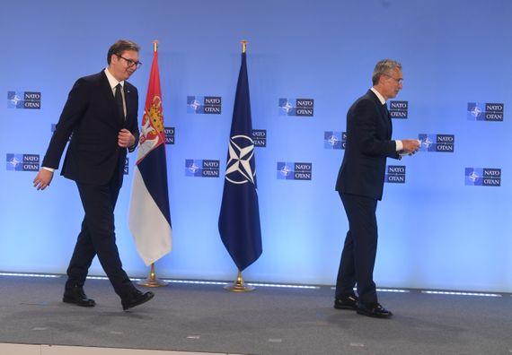 Председник Вучић састао се са генералним секретаром НАТО Јенсом Столтенбергом у Бриселу