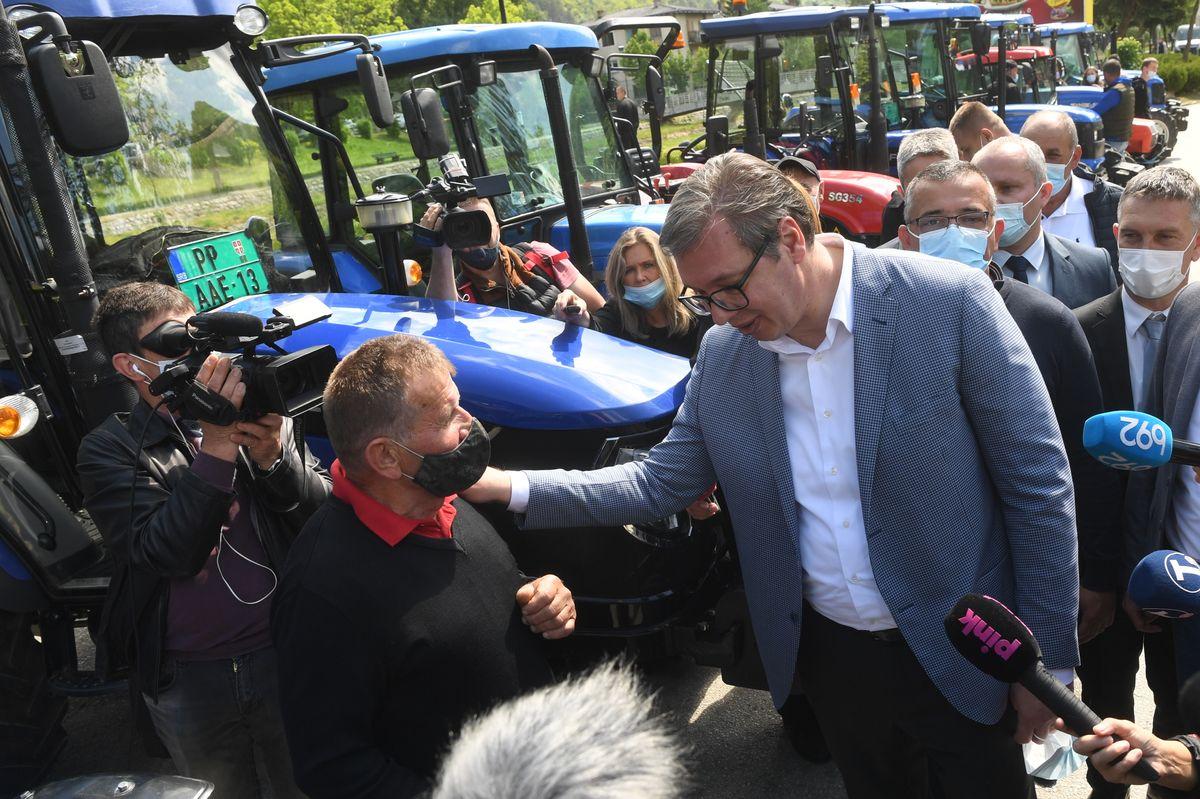 Председник Вучић посетиo Пријепоље и Прибој