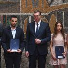 Уручење уговора о запослењу најуспешнијим дипломцима свих медицинских факултета и средњих медицинских школа у Србији