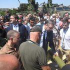 Председник Вучић присуствовао приказу средстава наоружања и војне опреме из домаће одбрамбене индустрије