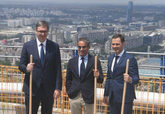 Председник Вучић присуствовао церемонији обележавања завршетка радова на конструкцији Куле Београд