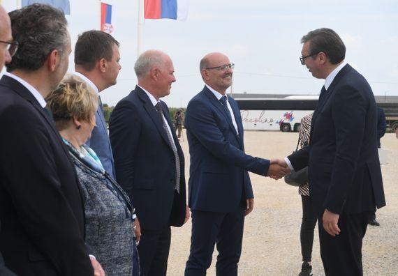 Председник Вучић присуствовао церемонији поводом почетка радова на изградњи постројења за поправке компаније