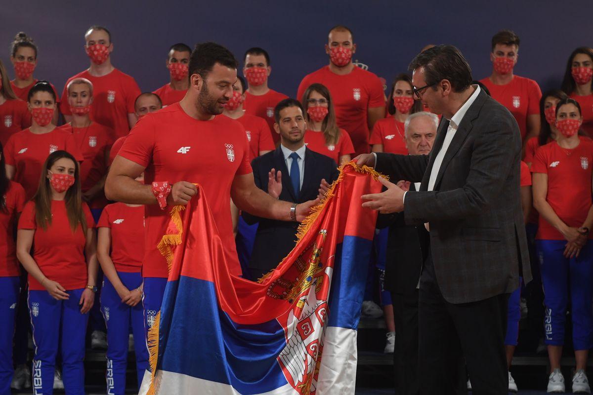 Председник Вучић са спортистима и члановима олимпијског тима Србије