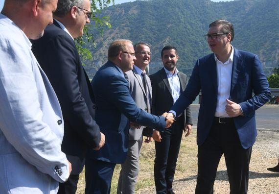 Председник Вучић у посети Кладову