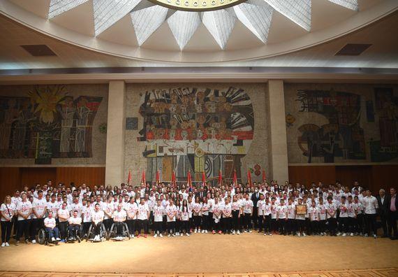 Председник Вучић састао се са младим спортистима са КиМ, из Републике Српске и дијаспоре