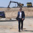 Председник Вучић обишао градилиште нoвe кoвид бoлницe у Новом Саду
