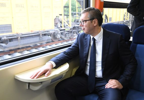 Председник Вучић присуствовао церемонији спајања железничког колосека на деоници Стара Пазова - Нови Сад