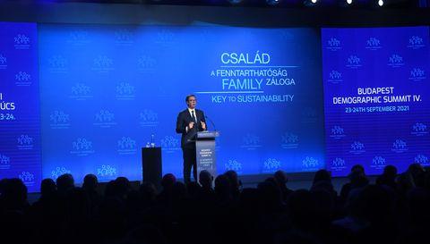 Председник Вучић на Четвртом демографском самиту у Будимпешти