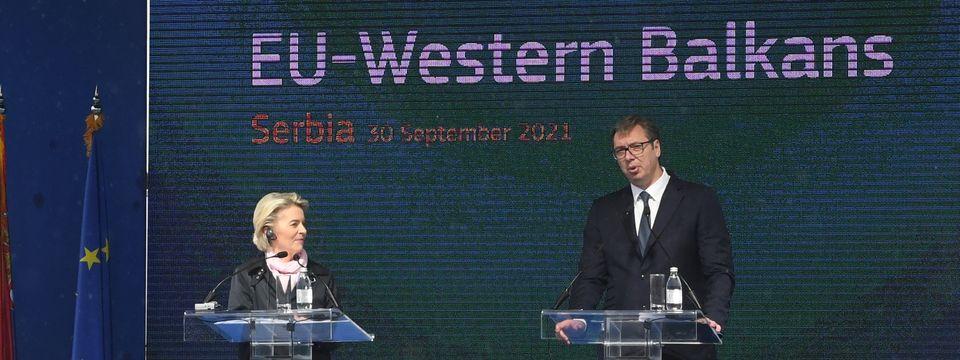 Председник Вучић присуствовао церемонији обележавања почетка радова на модернизацији и рехабилитацији пруге Ниш-Брестовац