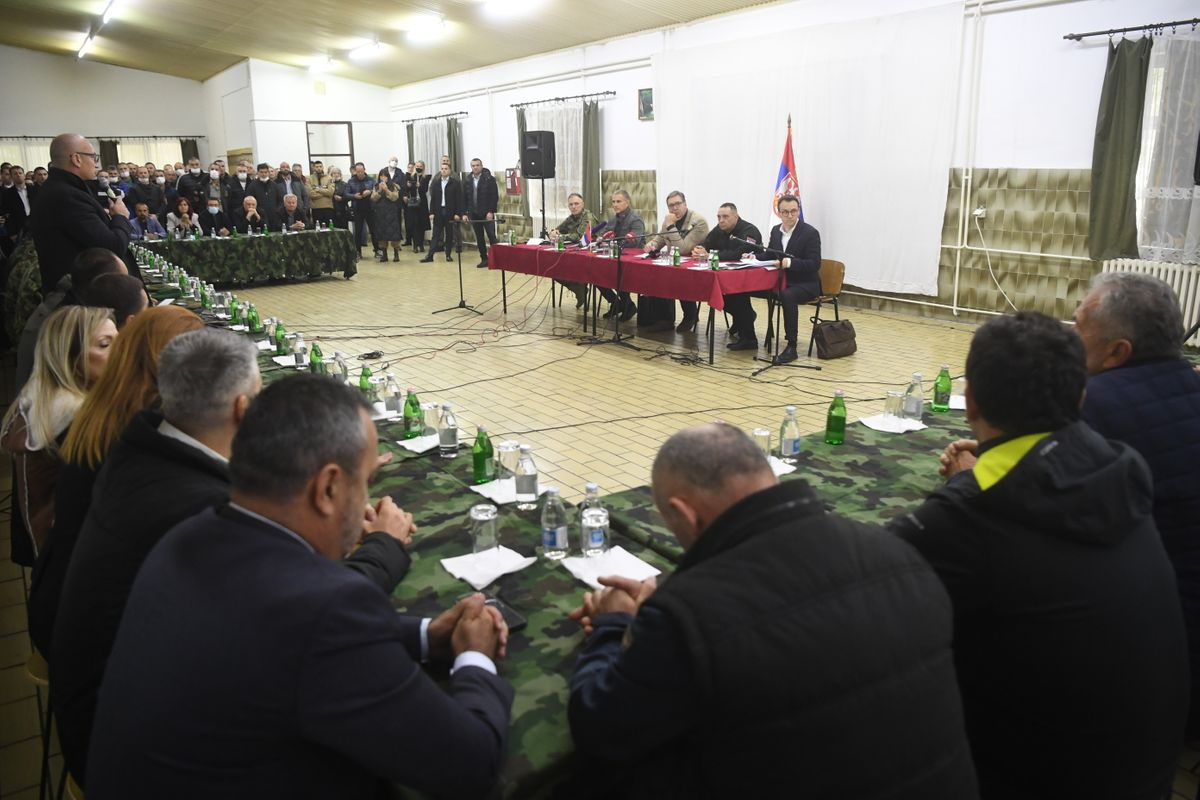 Председник Вучић са представницима Срба са Косова и Метохије