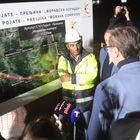 Председник Вучић обишао радове на мосту преко Западне Мораве